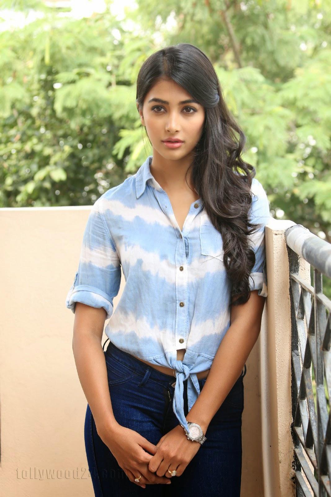 Pooja hegde gorgeous photo shoot-HQ-Photo-20