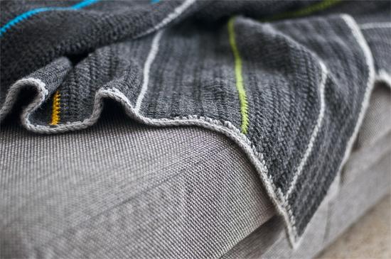 Puerta al sur como decorar un sof con una manta o pie de - Como hacer una manta de lana para el sofa ...