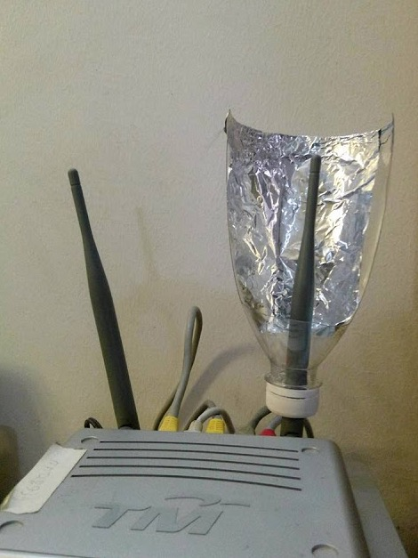 Cara Mudah Kuatkan Signal WiFi Dengan Botol dan Aluminium Foil