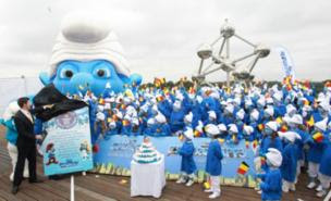 Global Smurfs Day 2011, Global Smurfs Day world record, 2011 Global Smurfs Day, Global Smurfs Day record video, Global Smurfs Day Guinness World Record