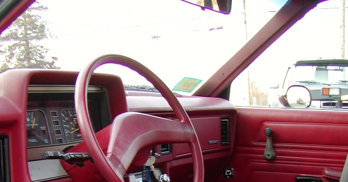 comment faire pour supprimer les odeurs de moisissure une voiture comment fait. Black Bedroom Furniture Sets. Home Design Ideas