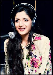 Mawra Hocane In Dr Ejaz waris show Fm 103 In Pakistan Celebrities