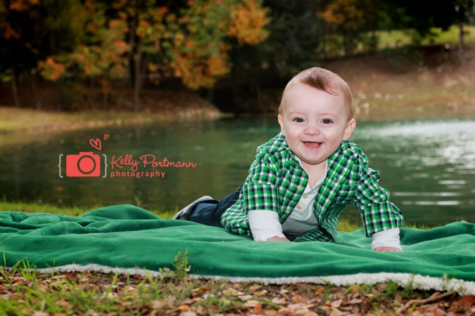 Plano Family Portraits, Plano Family Photographer, Kelly Portmann Photography, Fall Family Outfits, 6 month photos, family portrait photographer, kelly portmann