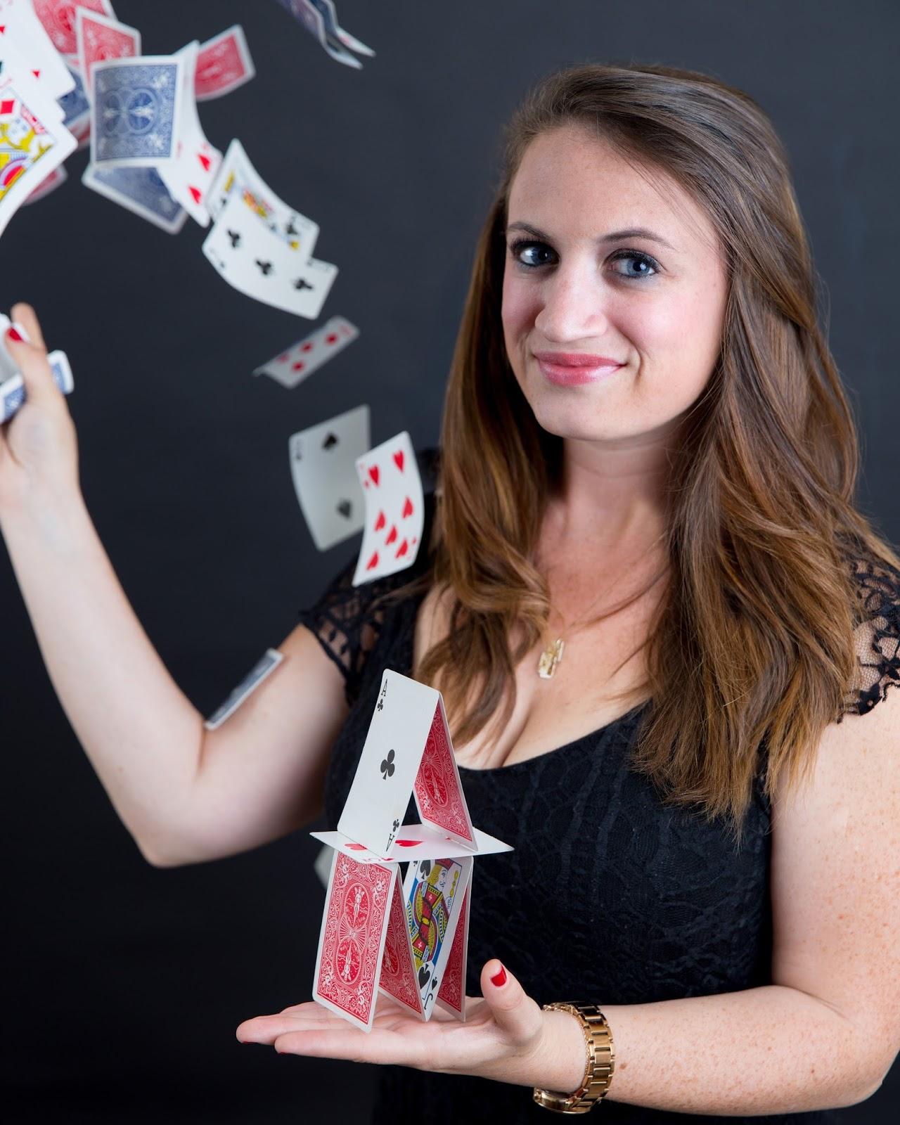 Woman magician Nude Photos 4