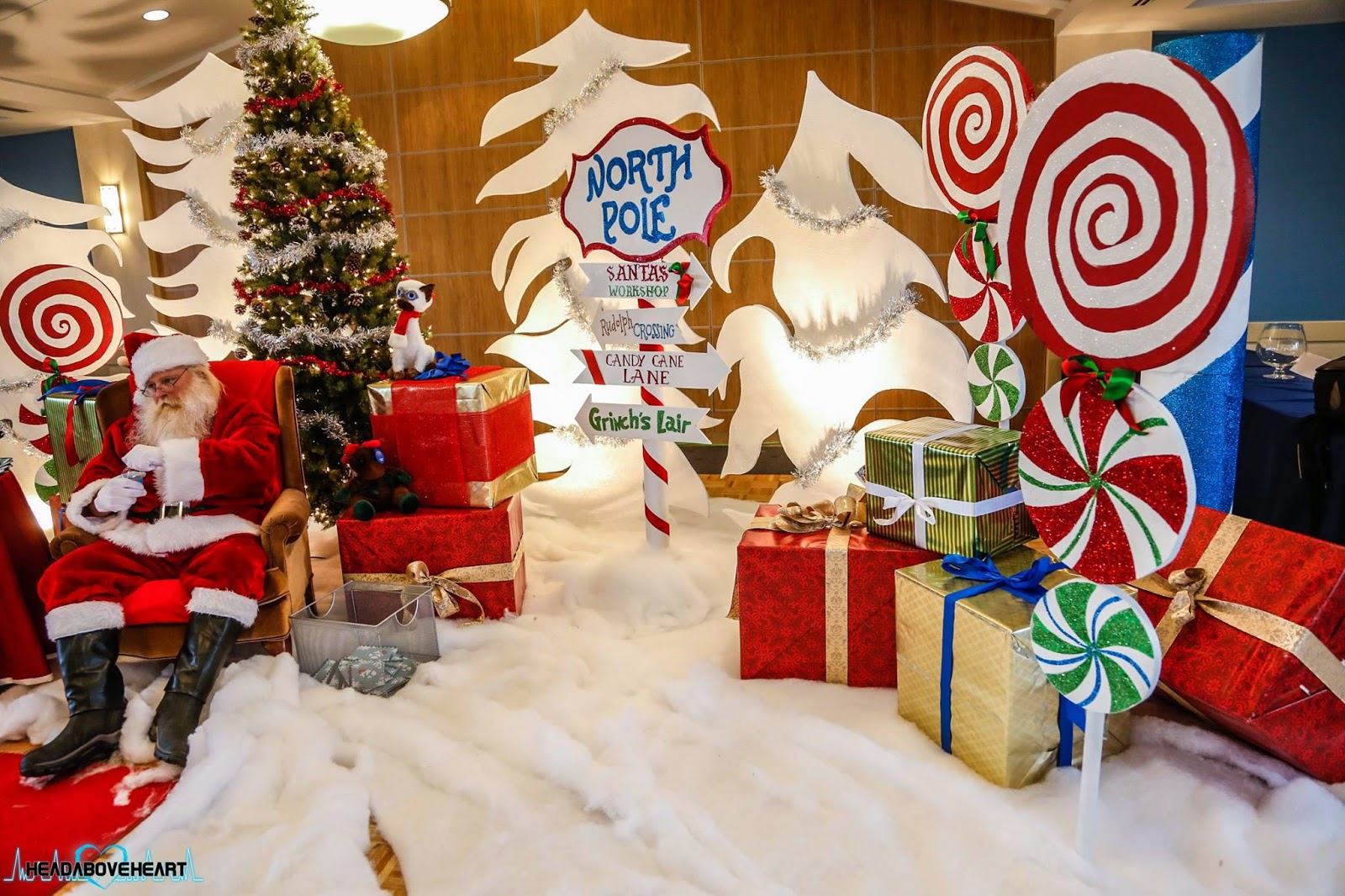 Cubicle Decorating Kits >> Don't forget to stop and eat the roses: Pics with Santa - A Set Design