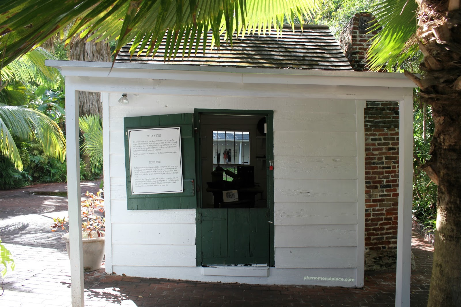 Haunting at The Oldest House in Key West Florida Places on the