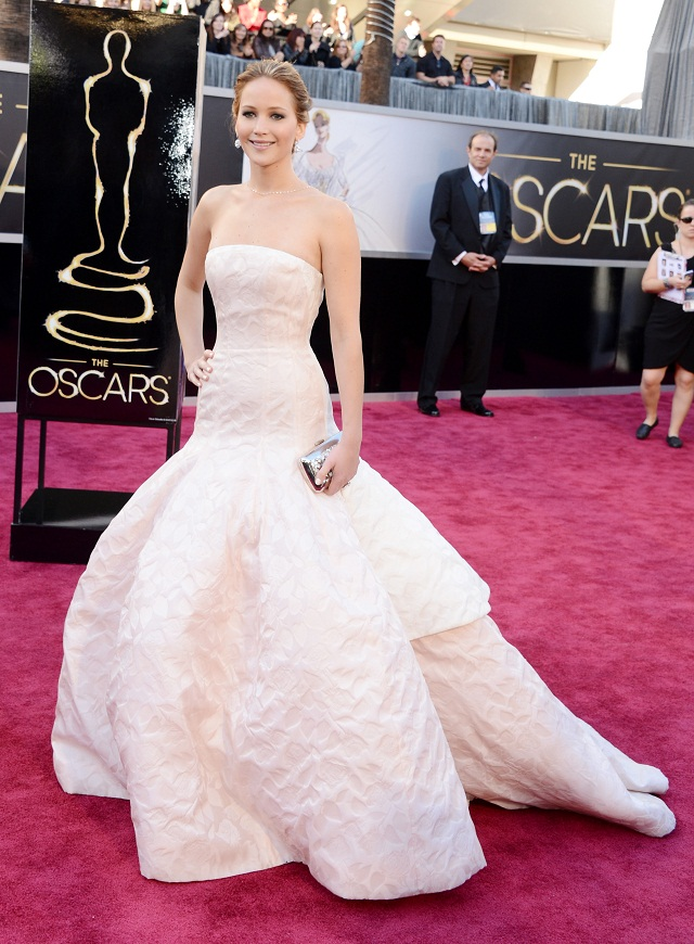 Jennifer Lawrence - Celebrity Fashion at the 2013 Oscars