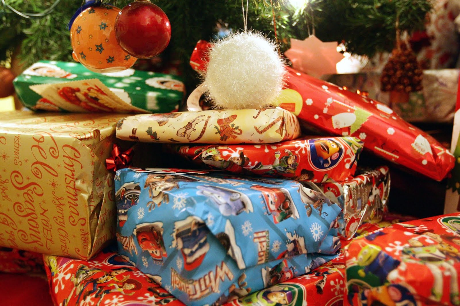 think i understood how things worked we were a christmas eve family 2nd man grew up with christmas morning always being the present opening moment - When Do You Open Christmas Presents