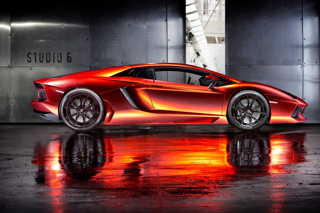 Orange-Red foiled Lamborghini aventador by Print Tech Munich