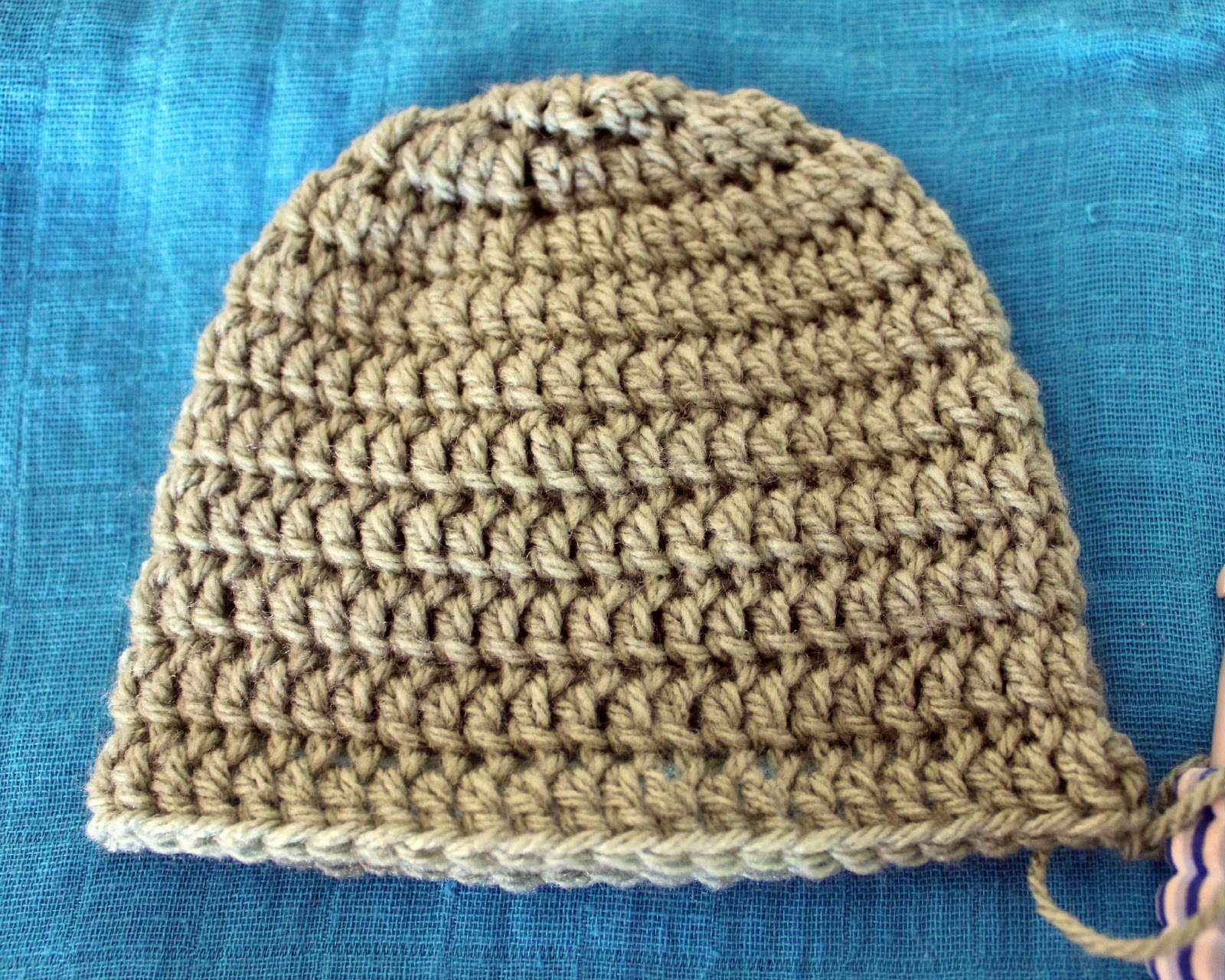 Free Crochet Pattern Basic Beanie : My Free Newborn Crochet Beanie Pattern - Move Fuel Love