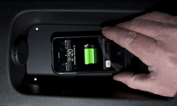 GM Will Offer Smartphone Wireless Charging in 2014 Cars