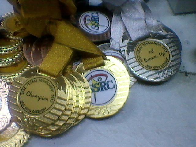 medal besi