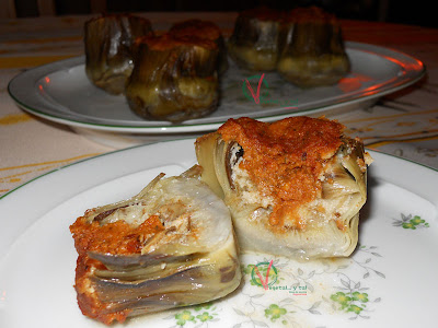 Alcachofas rellenas de sobrasada vegetariana.