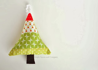 http://so-sew-easy.com/fabric-scraps-christmas-ornaments/