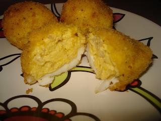 Recetillas de mer: huevos rellenos con gambas