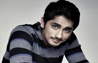 Director's irritated seeing Actor Siddharth phone call