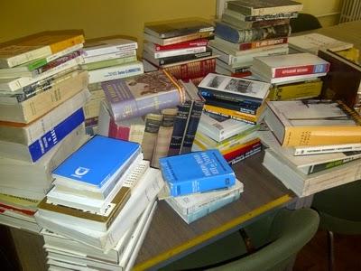 Donación de libros Biblioteca Derecho