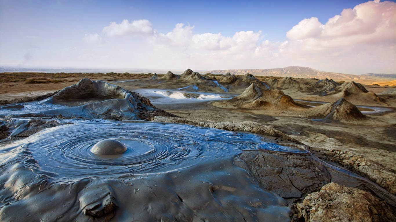 Mud volcanoes in Gobustan National Park, Azerbaijan (© Jane Sweeney/Getty Images) 557