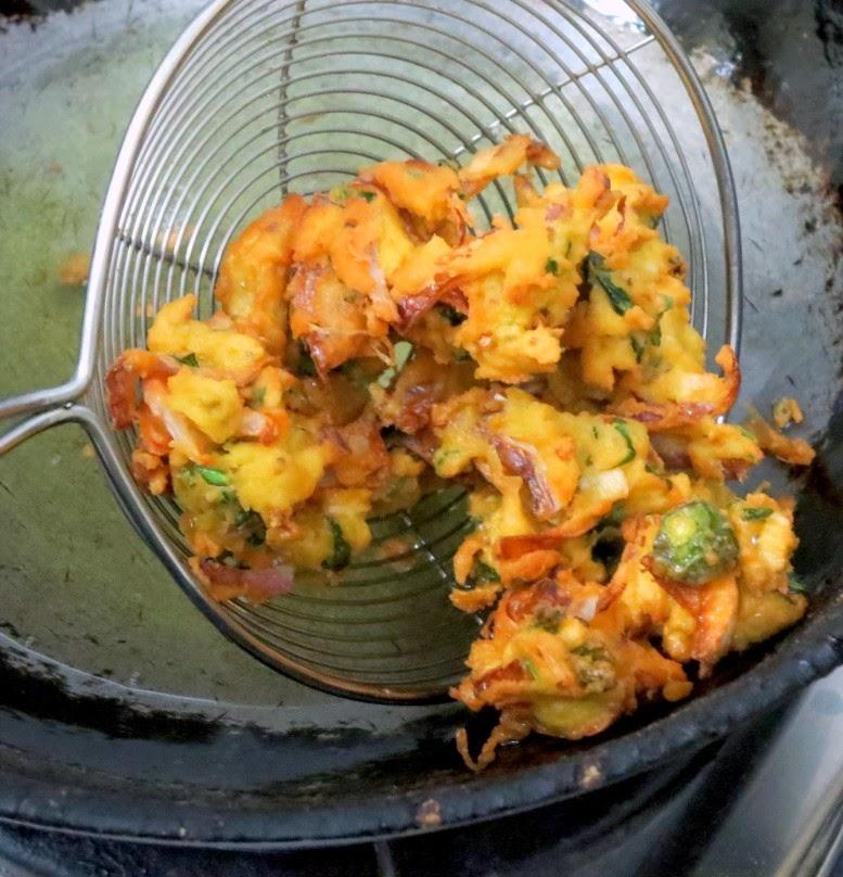 how to make the perfect pakora potato and onion
