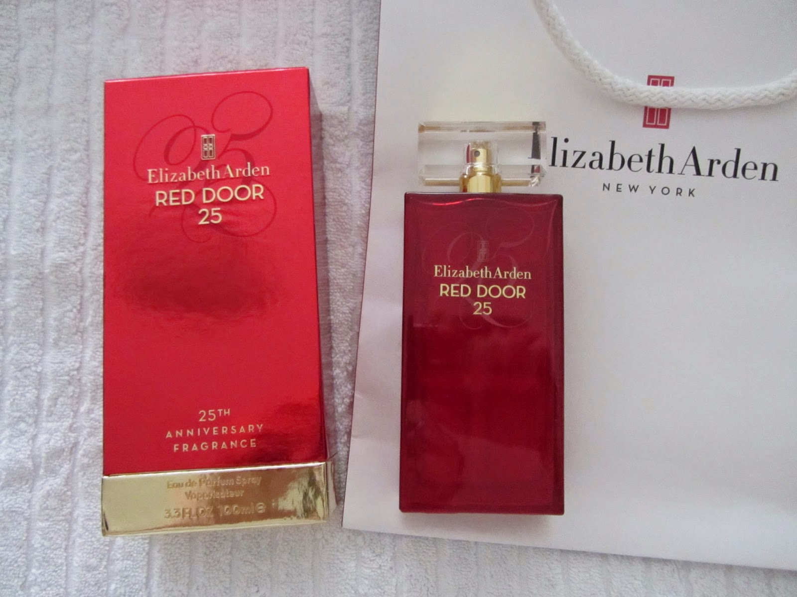 Shopper In The City Beauty Cosmetics And Trends Red Door 25th