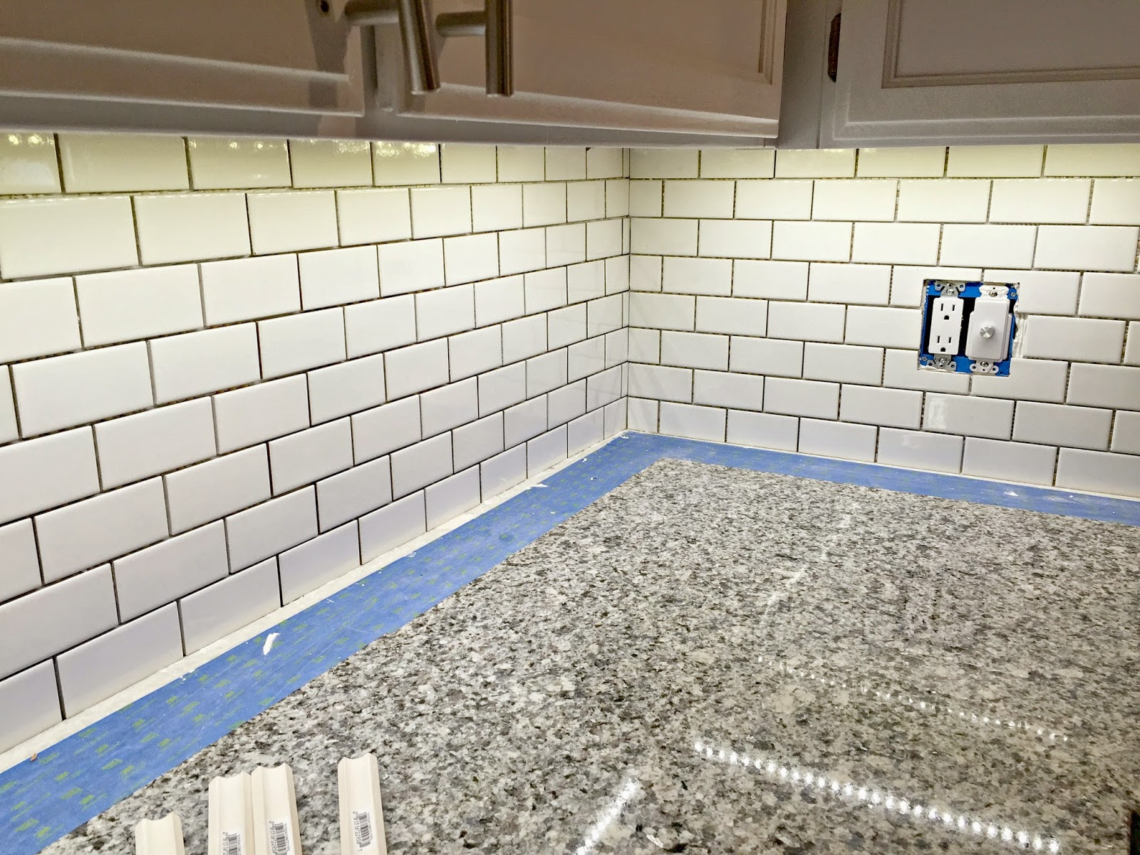 Backsplash Corners Diy Kitchen Backsplash Tiles Meeting In The