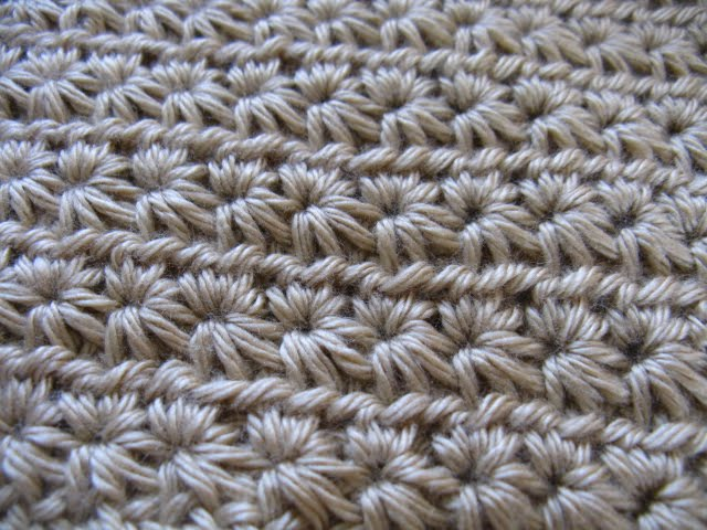 Crocheting Yarn Over : yarn over (d-crochet: Crochet Star Stitch)