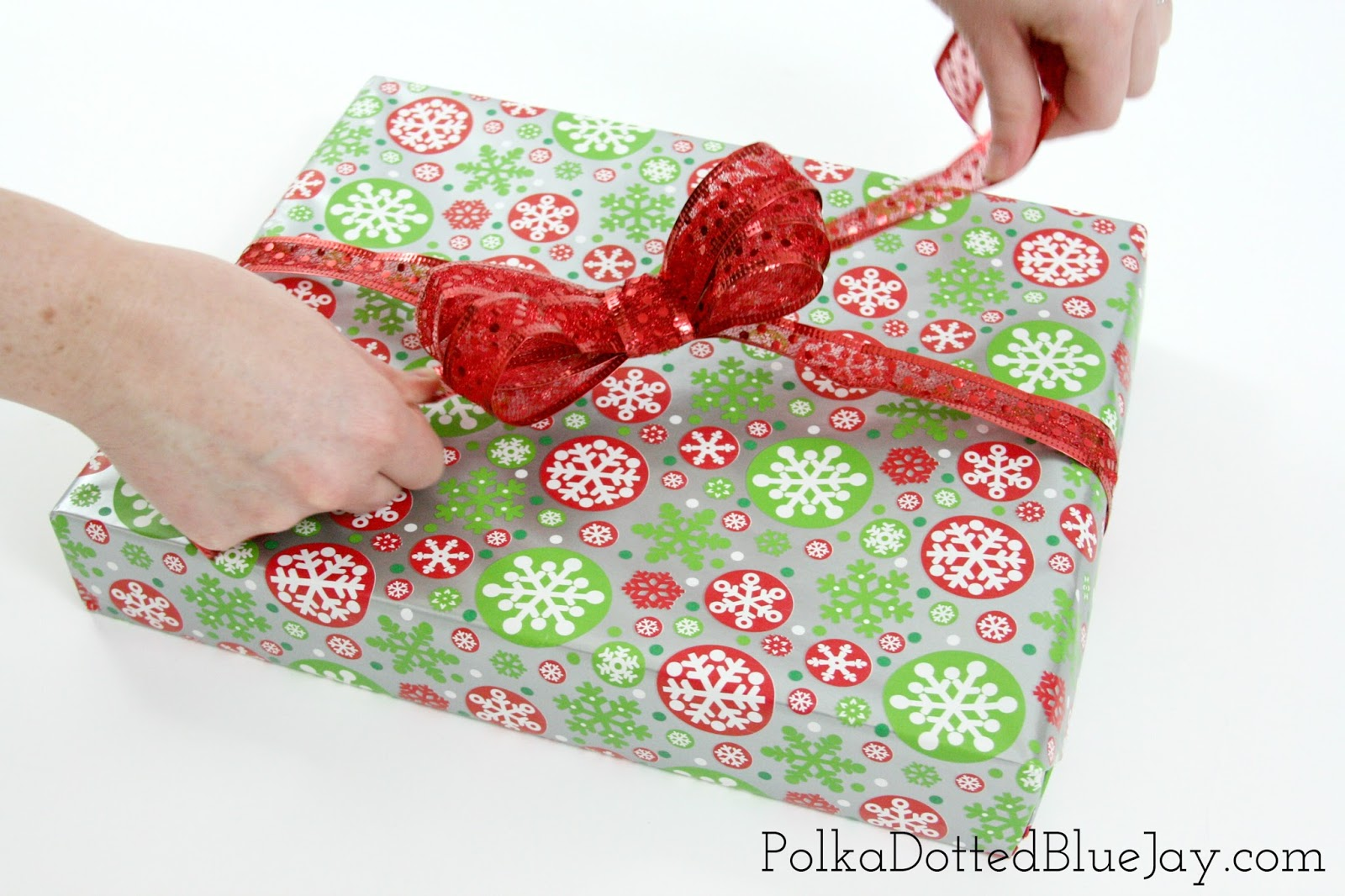 How To Make Gift Wrap Bows - Polka Dotted Blue Jay