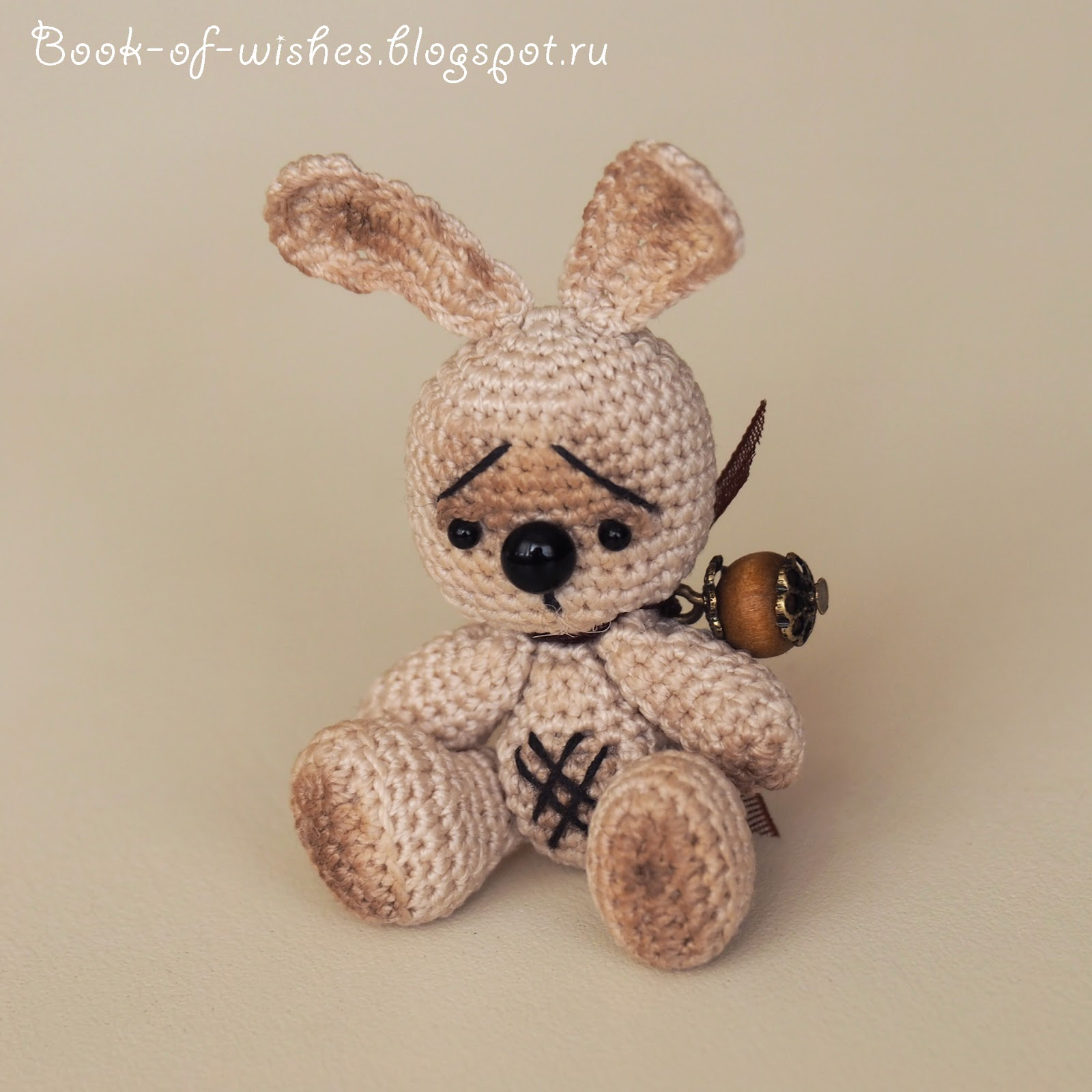 tiny crochet bunny