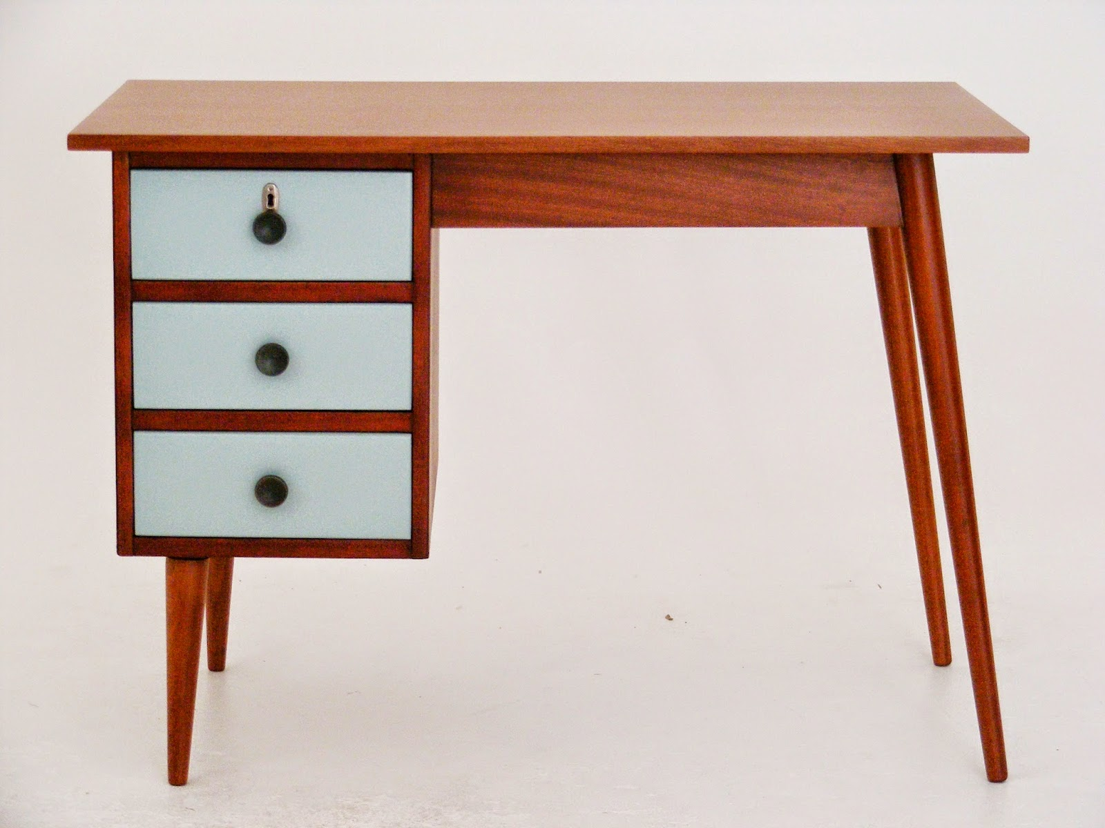 VAMP FURNITURE New vintage furniture stock at Vamp 27