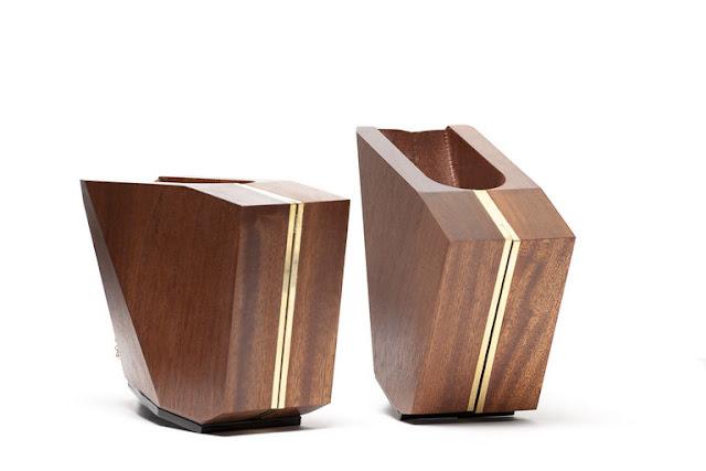 Zapatos de madera espacios en madera for Modelos de zapateros en madera