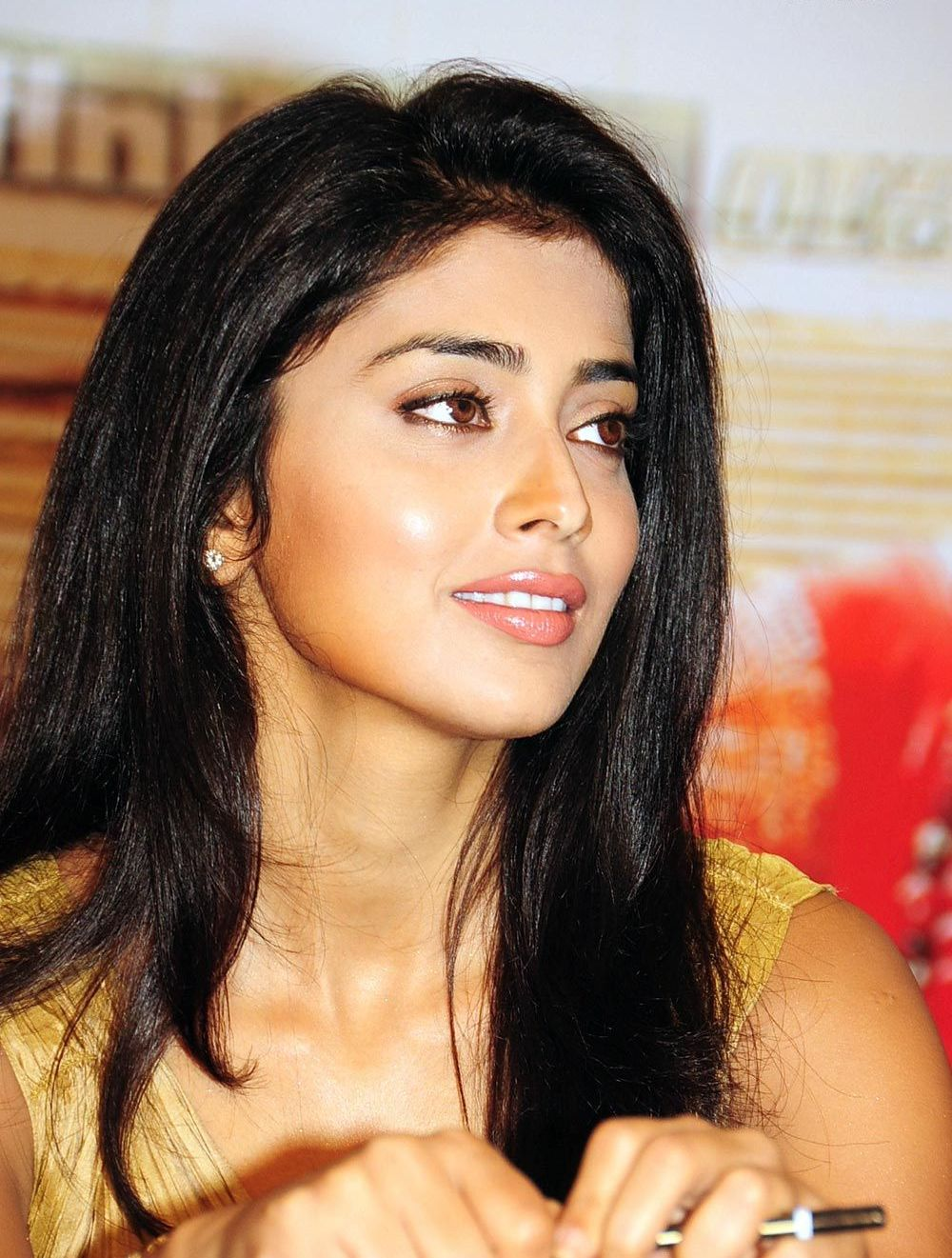 Shriya Saran couple