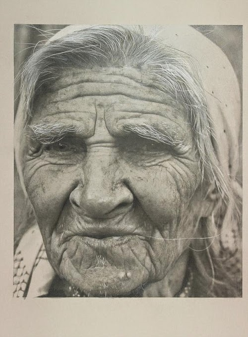 06-Paul-Cadden-Emotions-and-Character-Drawings-in-Everyday-Faces