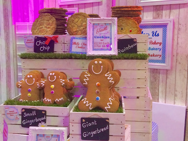 Cake & Bake Show Giant Gingerbread
