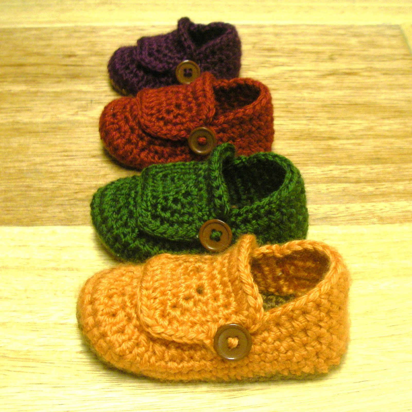 Crochet and Other Stuff: Crochet Mini Booties Souvenir - free pattern