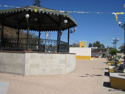 Iglesia y kiosko de Carboneros