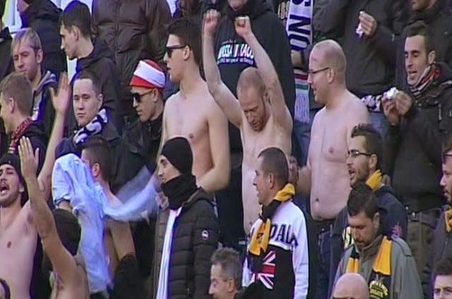 I tifosi della Massese festeggiano. fotosportnotizie.com