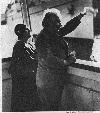 Einstein en fotograf�as. 101