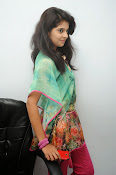 Sravya Latest photos Gallery-thumbnail-2