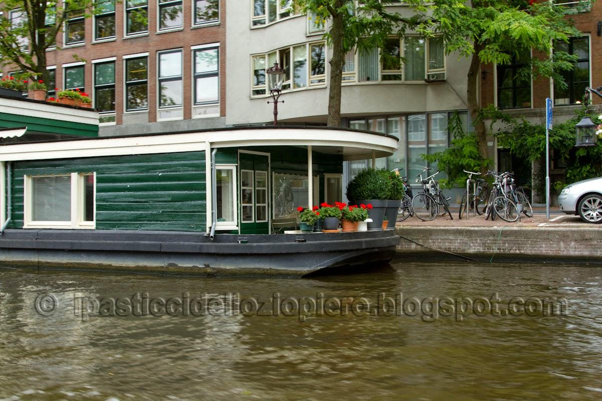 I pasticci dello ziopiero benelux senza lux seconda for Houseboat amsterdam prezzi