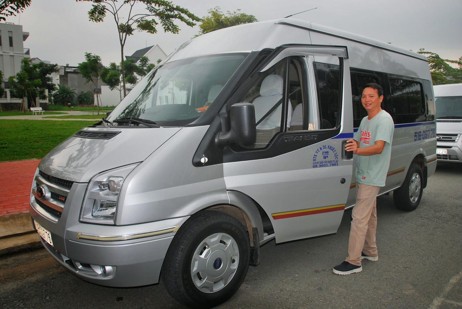 Đội xe du lịch Hành Trình Việt