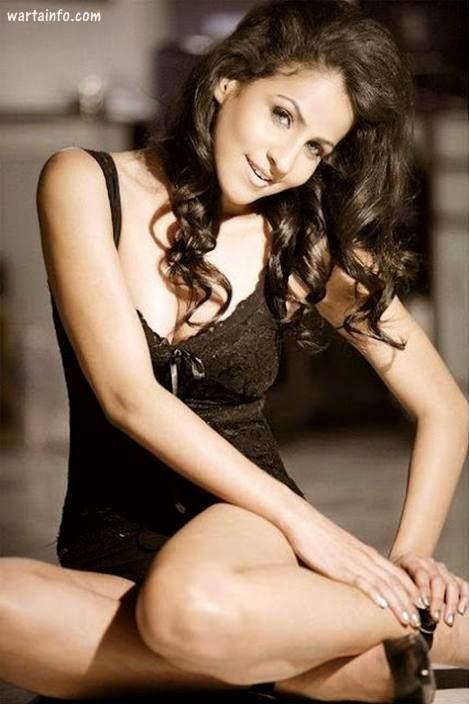 Foto hot seksi paha mulus Pooja Sharma model Seksi India pemeran Drupadi di Mahabharata - wartainfo.com