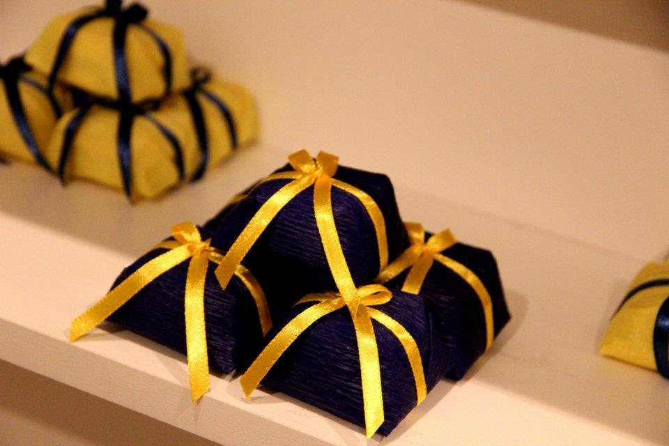 decoracao para casamento azul marinho e amarelo: – Assessoria e Decoração de Eventos: – Casamento Espaço Renara