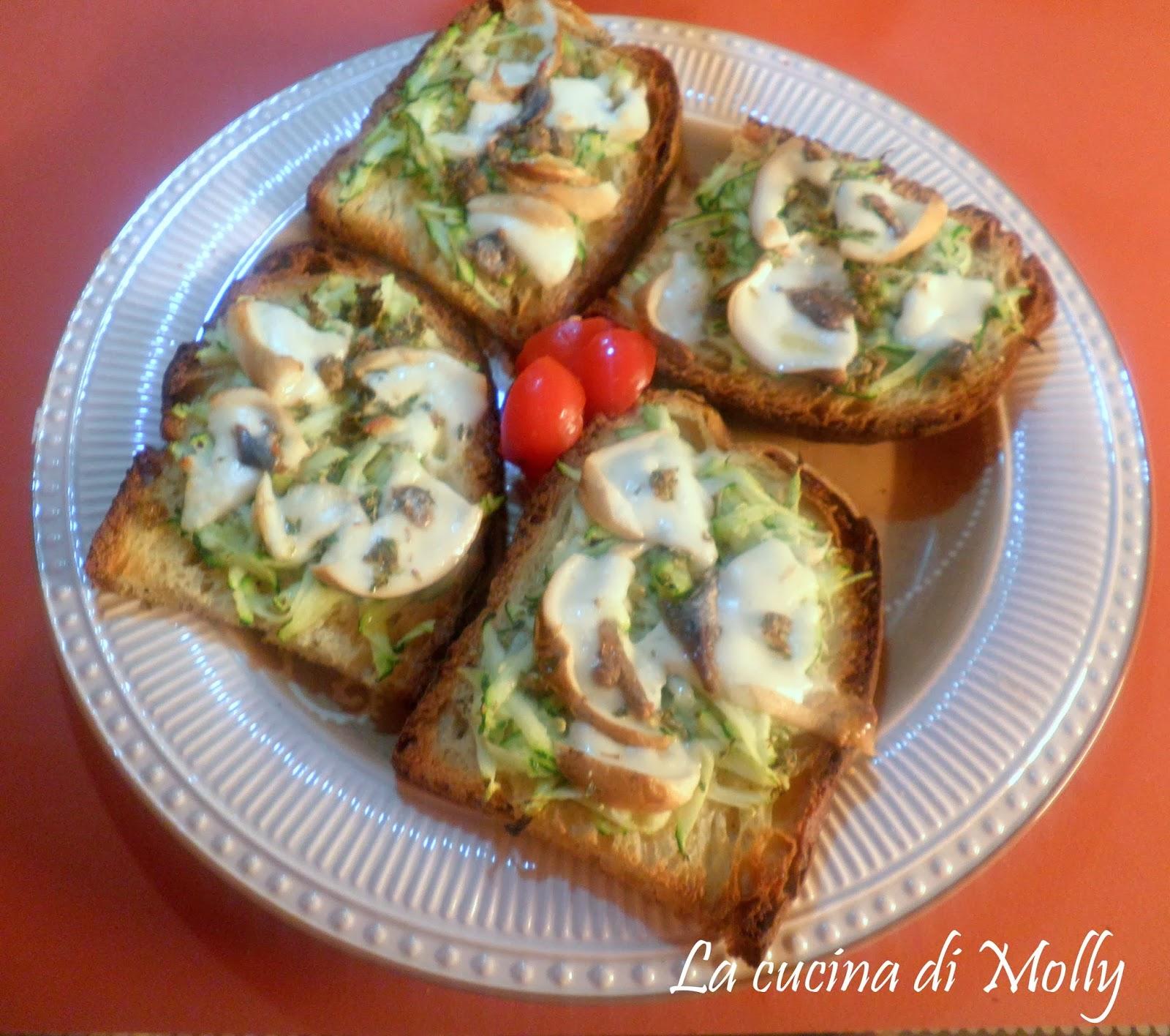 bruschetta con zucchina e mozzarella  affumicata