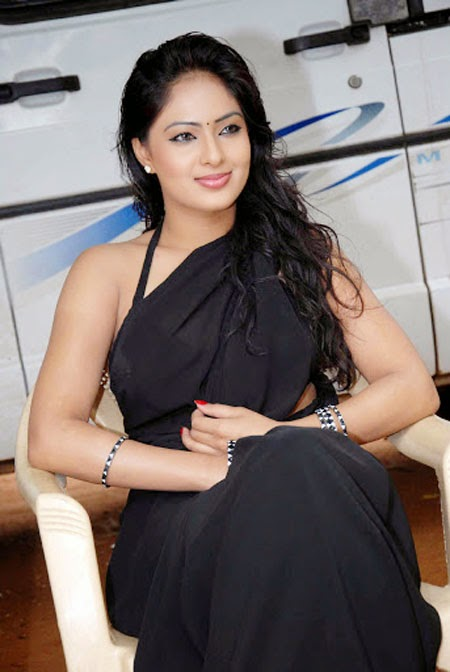Nikesha Patel Looking Sexy In Black Saree
