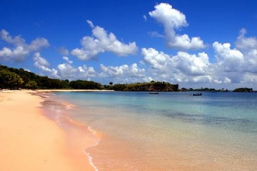 Pantai Tangsi Lombok Timur (Gambar 1). ZonaAero