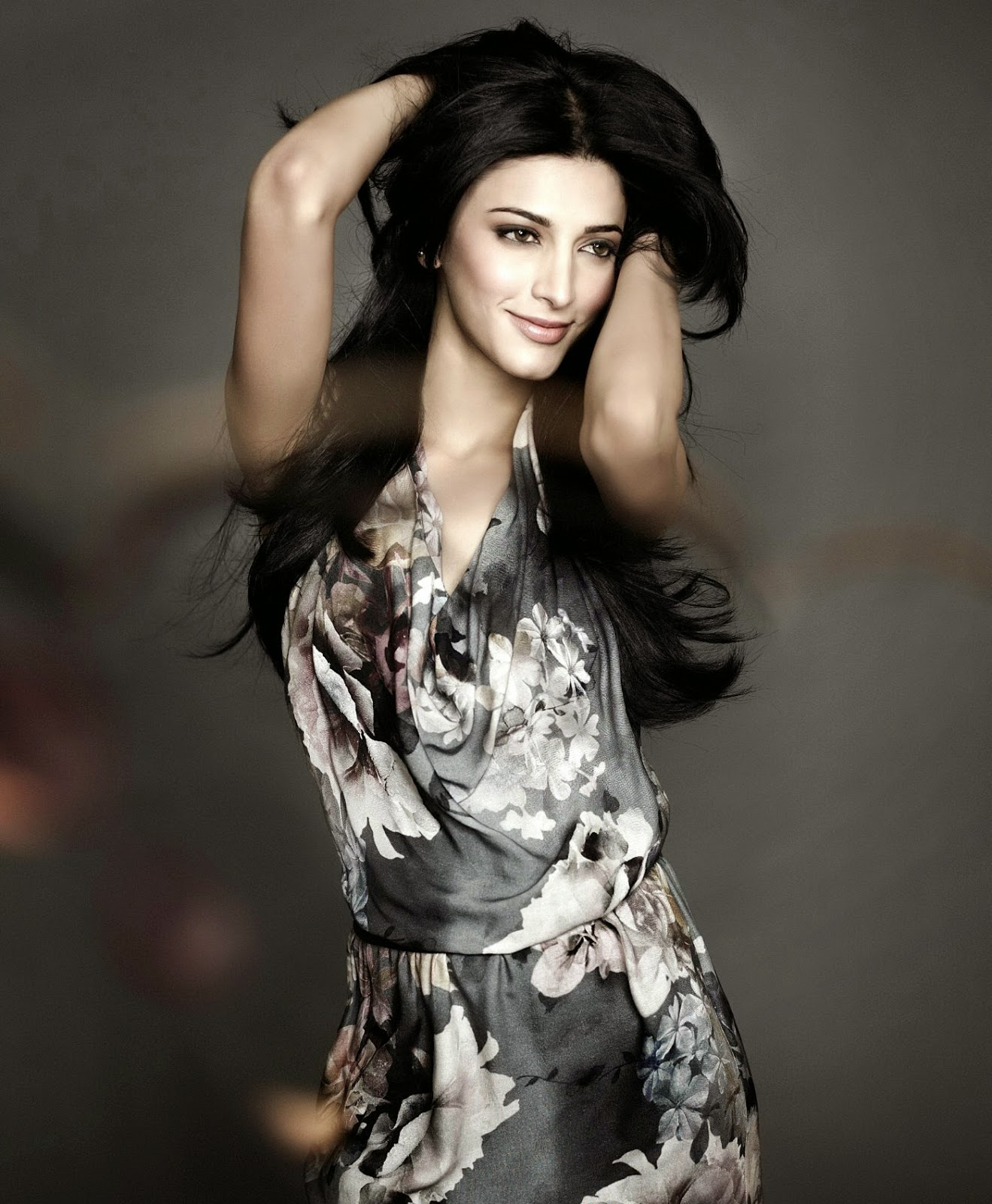 shruti hassan hot and spicy hd wallpaper