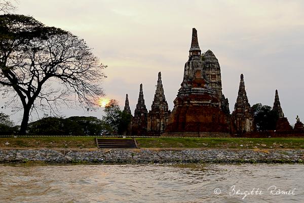 La Thailande et l'eau, les temples