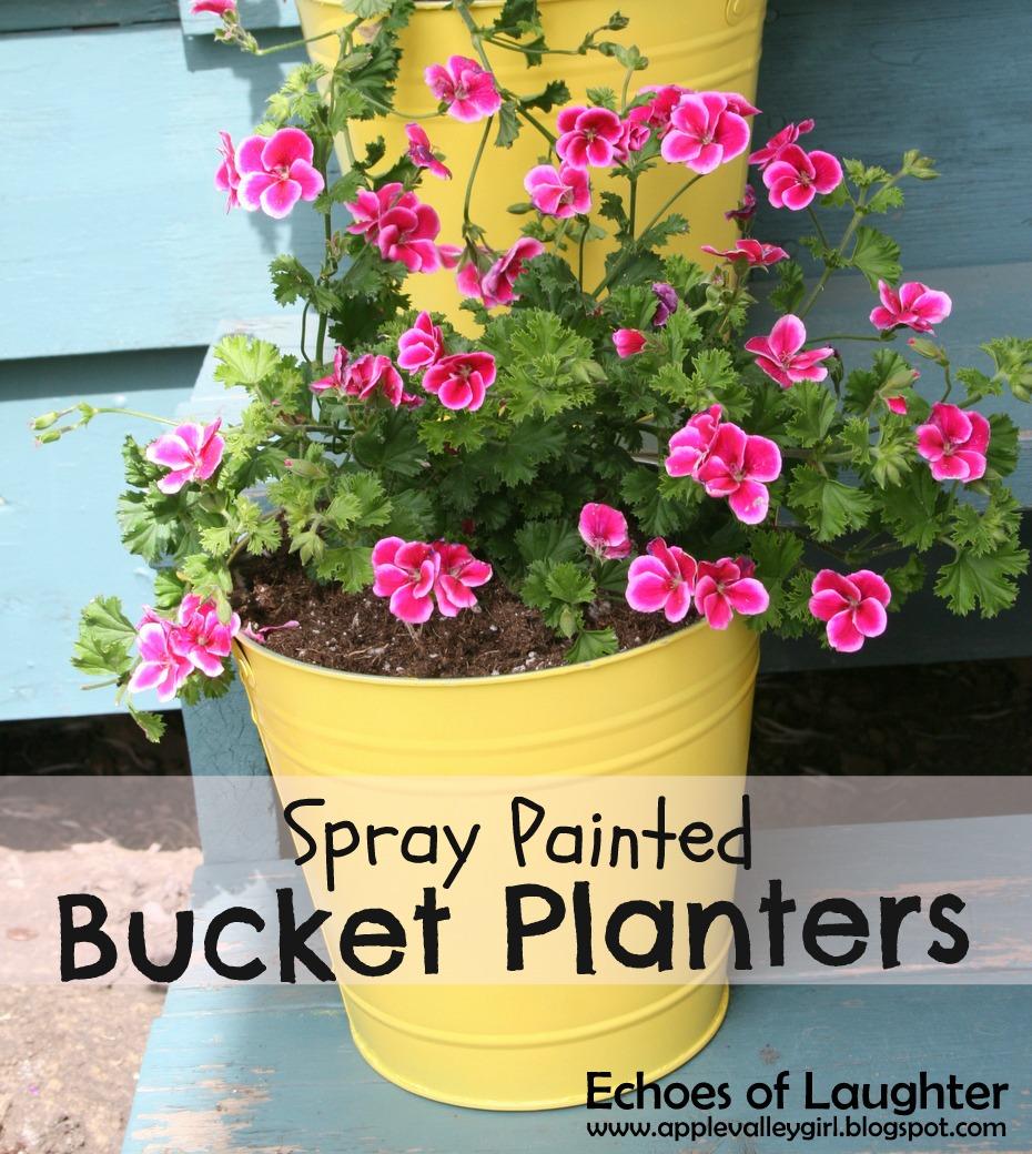 http://2.bp.blogspot.com/-T0hKZ_kQCKo/UXdHP550qgI/AAAAAAAAMRg/RlFIE-dNggI/s640/Spray+Painted+Bucket+Planters.jpg