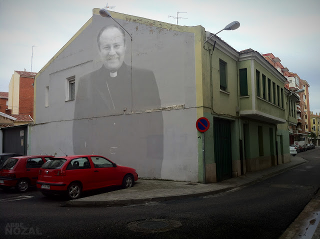 El obispo pide dinero, 2012 (cc) Abbé Nozal