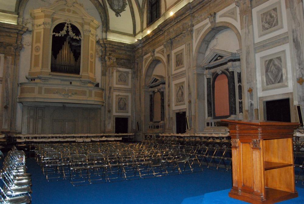 Interno chiesa san tom for Interno chiesa